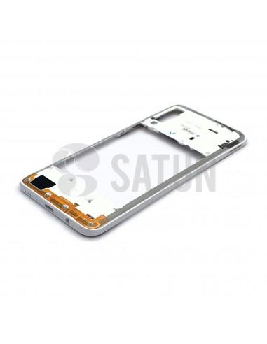 GH98-44765D. Carcasa intermedia Samsung Galaxy A30s blanco en perspectiva.